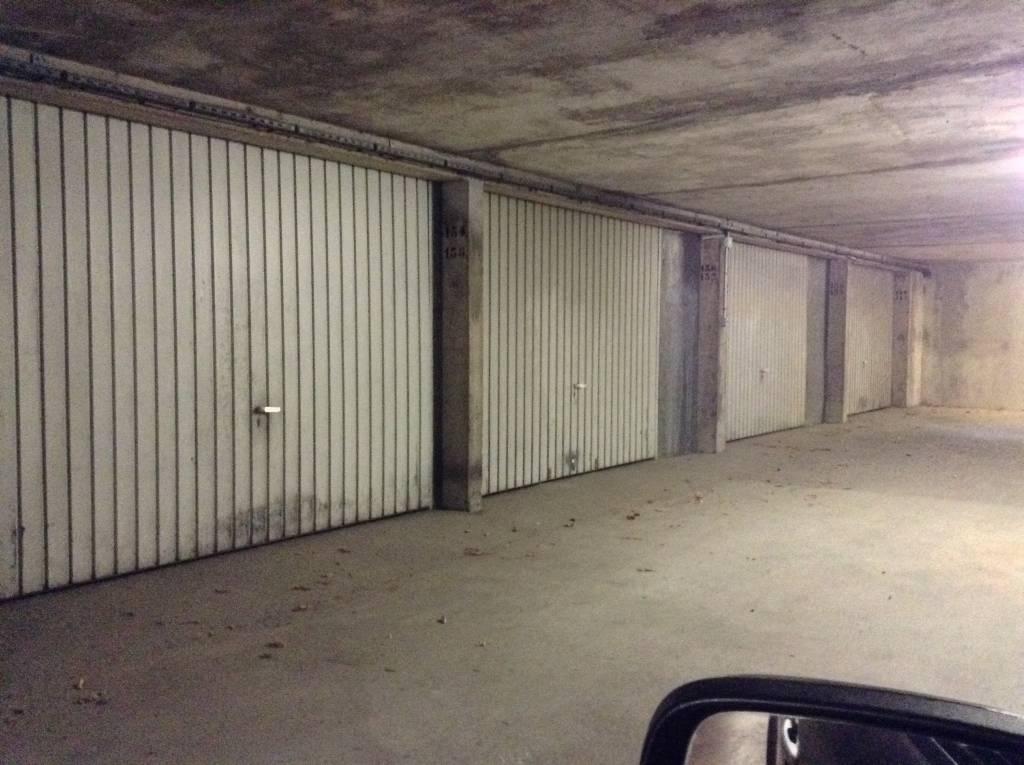 garage besancon location box garage besan on 25000 amenagement rangement garage besancon. Black Bedroom Furniture Sets. Home Design Ideas