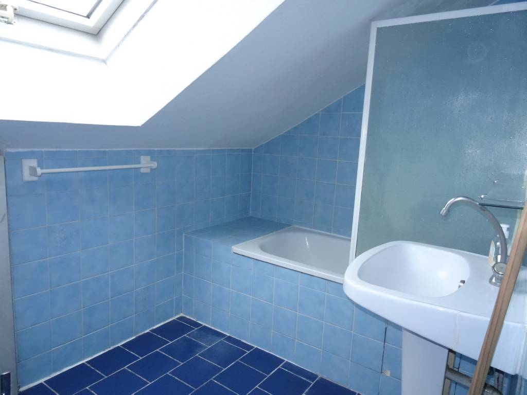 Appartement f2 vendre besan on scp philippe bernard for Appartement atypique besancon
